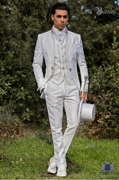 Groomswear Baroque. Levita vintage white jacquard fabric mandarin collar with rhinestones