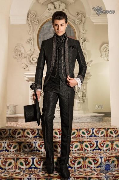 Traje de novio barroco, levita vintage en tejido brocado negro con cuello Mao con pedrería negra