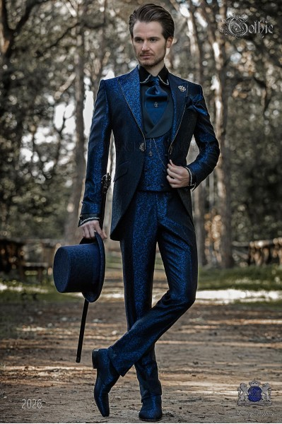 Traje de novio barroco, levita de época en tejido jacquard azul con cristales strass en las solapas