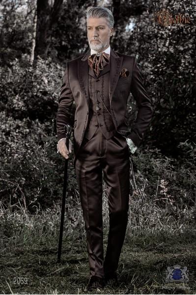 Traje de novio barroco, levita redingote en raso marrón con bordados bronce