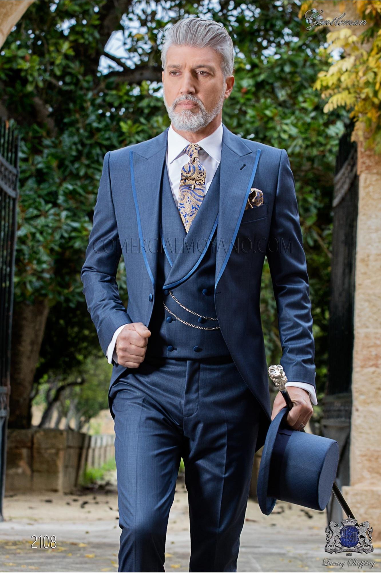 """Chaqué de sastrería italiana de elegante corte """"Slim"""", una apertura. Tejido azul."""