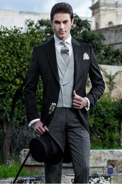 Chaqué negro de sastrería italiana. Tejido 100% lana negro y pantalón de etiqueta.