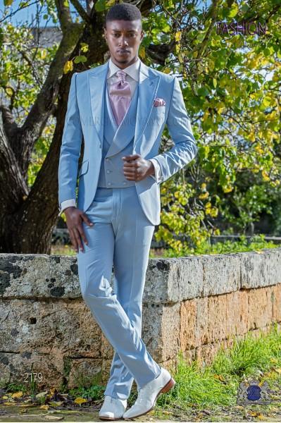 Traje de novio slim azul celeste con solapas en raso