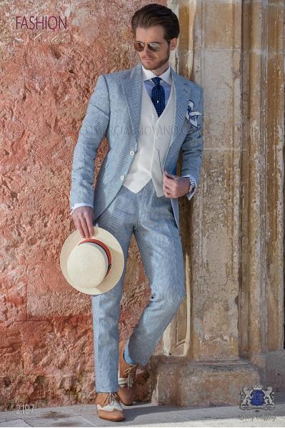 Traje de novio de lino azul con raya blanca