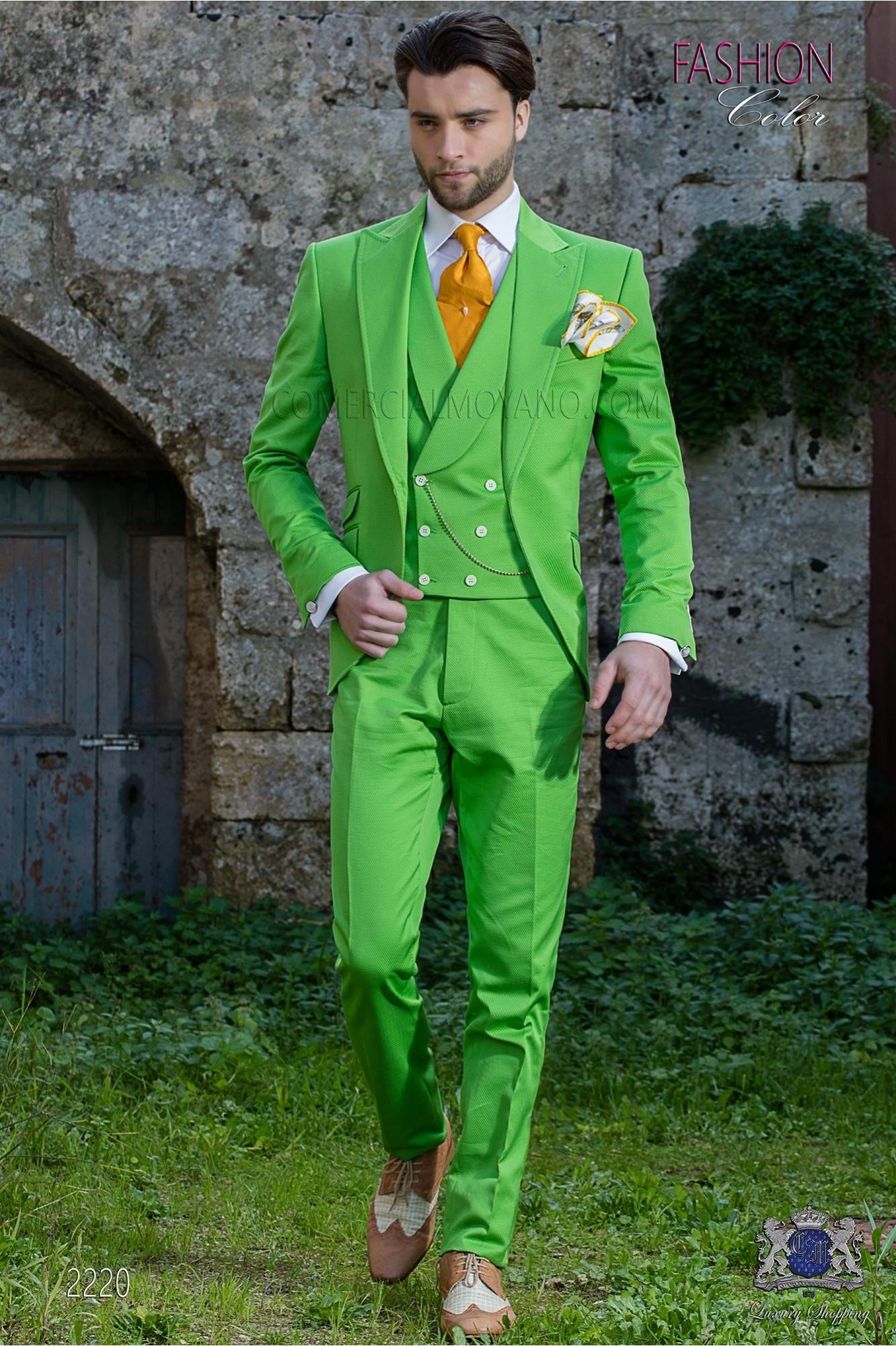"Traje moderno italiano de estilo ""Slim"". Tejido color verde 100% algodón"