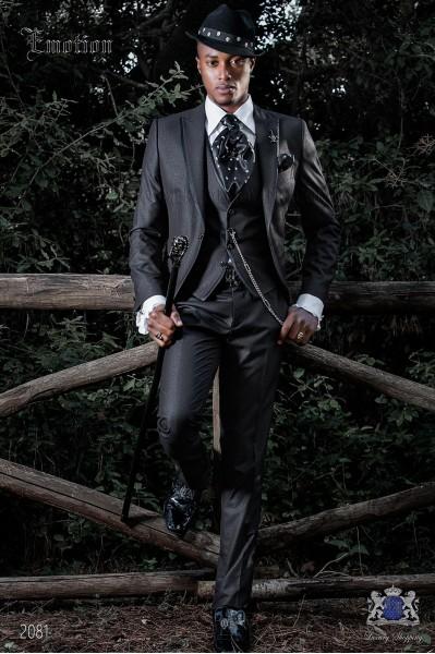 Italien costume de mode moderne noir. Revers de pointe avec satin contraste et 1 bouton.