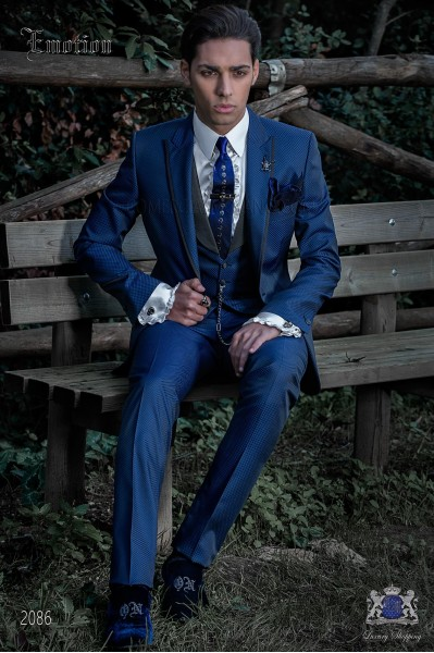 Traje de moda italiano a medida microdiseño azul roy