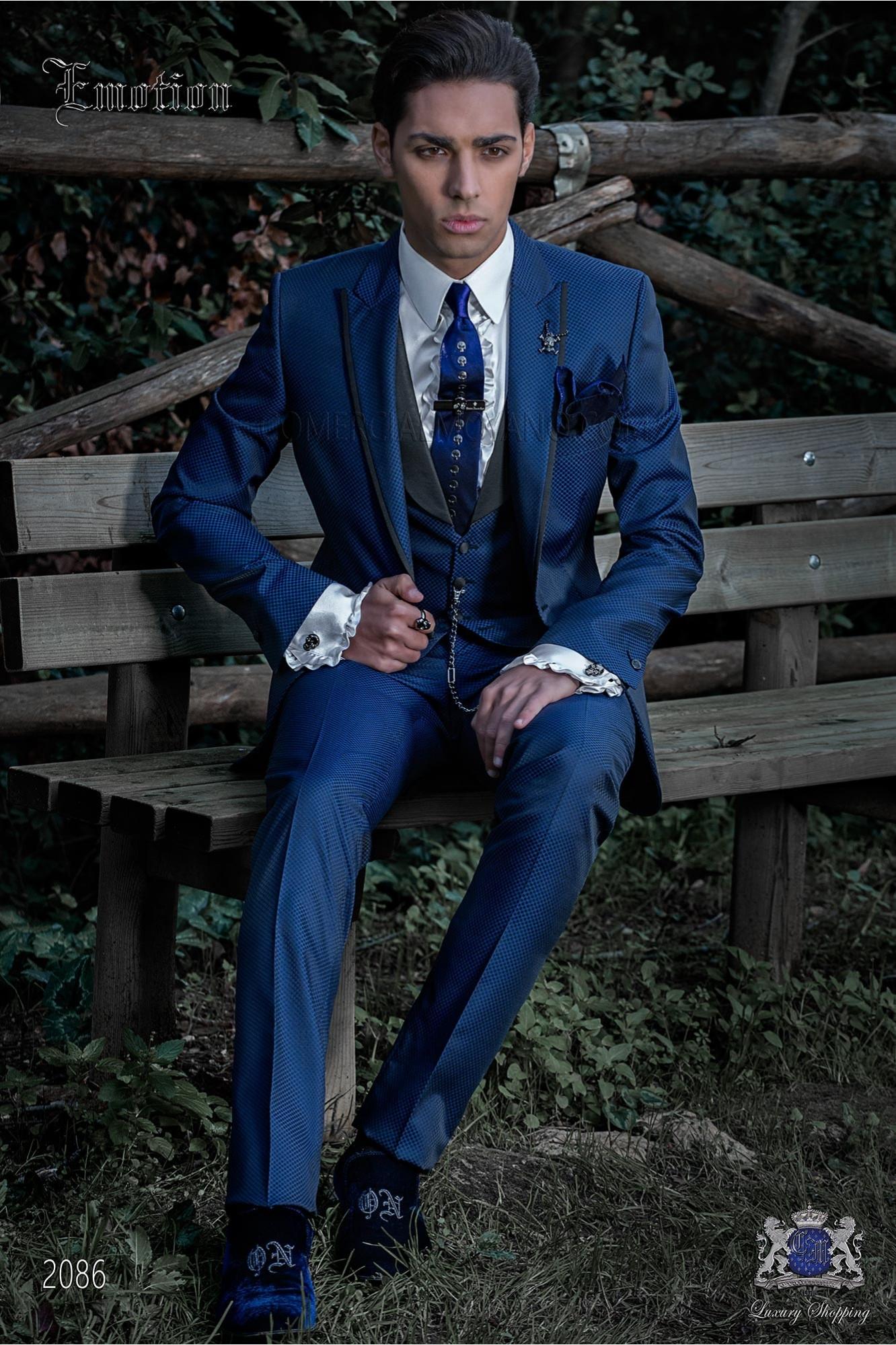 Traje de moda italiano a medida microdiseño azul royal