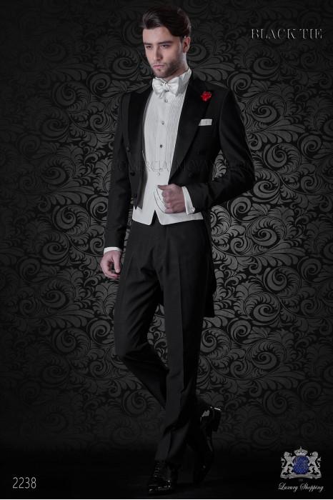 Frac italiano negro mixto lana con solapa de punta y botones negros de raso.