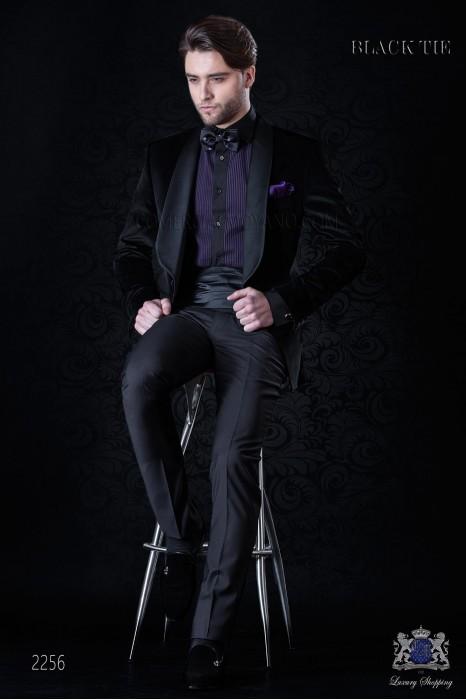 Italian velvet black tuxedo with satin lapels. Fabric velvet 100% cotton.
