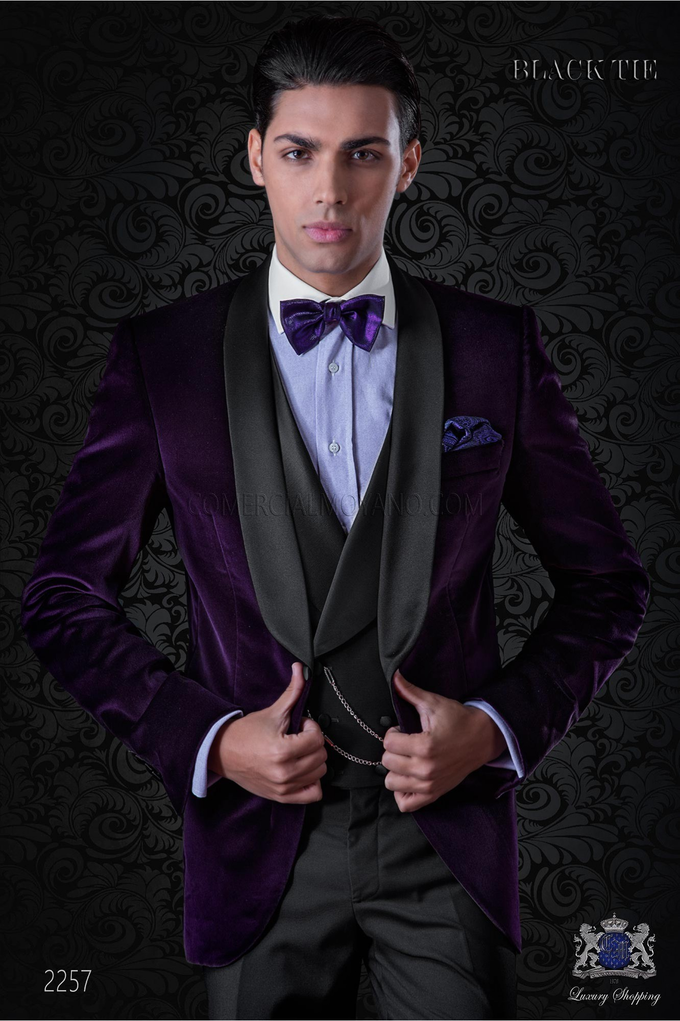 Italian velvet purple tuxedo with satin lapels. Fabric velvet 100% cotton