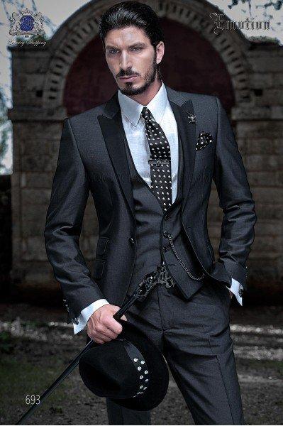 """Conjunto italiano tres piezas de moda con moderno corte """"Slim"""", solapas punta y 1 botón. Tejido mano alpaca gris marengo."""