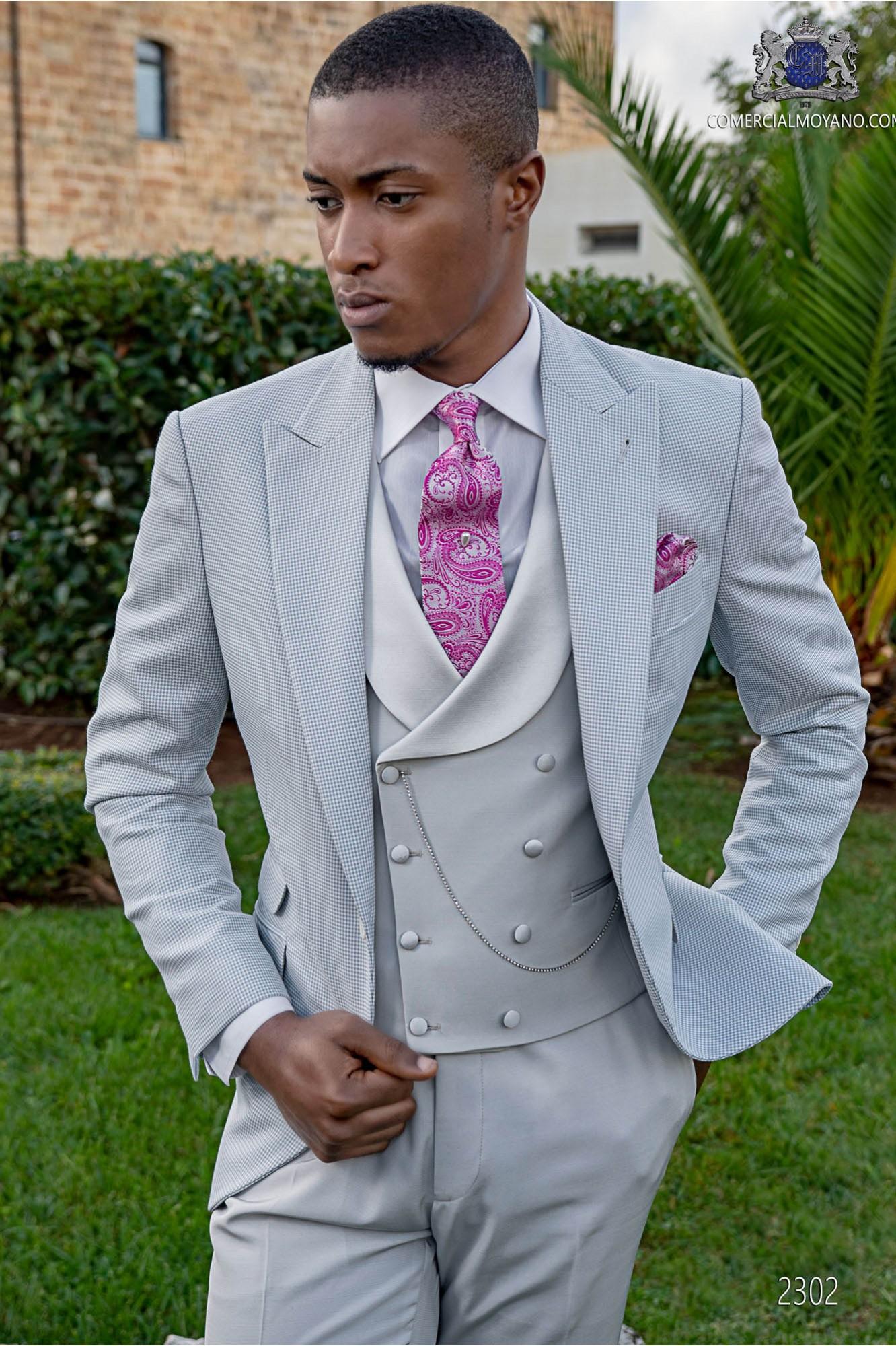 Light grey bespoke Pied-de-coque suit