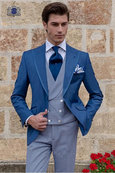 Traje de novio azul royal con pantalón pata de gallo azul