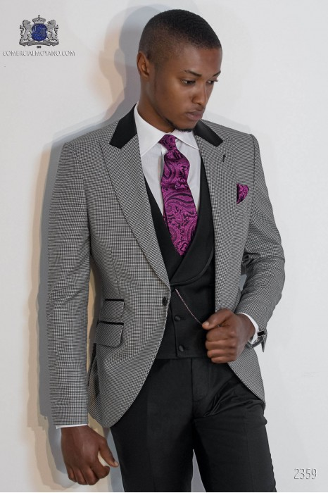 """Italian fashion suit with modern cut """"Slim"""" peak lapels and one button. Rooster leg fabric design."""