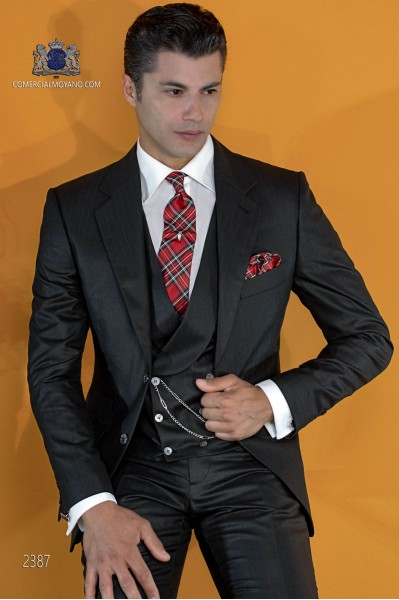 Costume italien noir avec rayures rouges