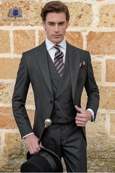 """Chaqué negro de sastrería italiana con elegante corte """"Slim"""". Tejido raya diplomática."""
