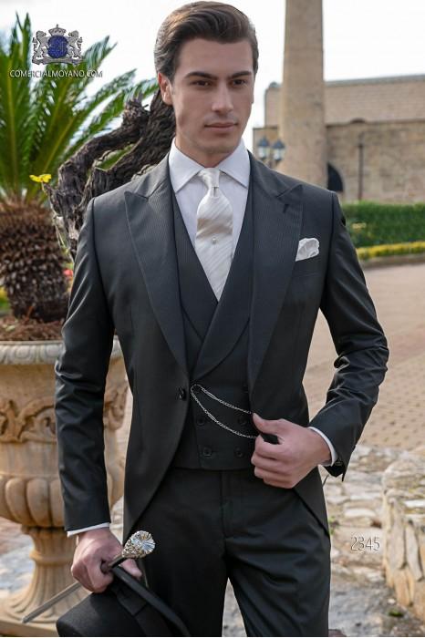 """Chaqué negro de sastrería italiana con elegante corte """"Slim"""". Tejido """"mil rayas""""."""