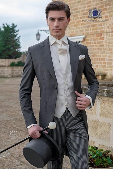 Chaqué de novio gris marengo tejido fil a fil de lana con pantalón raya diplomática
