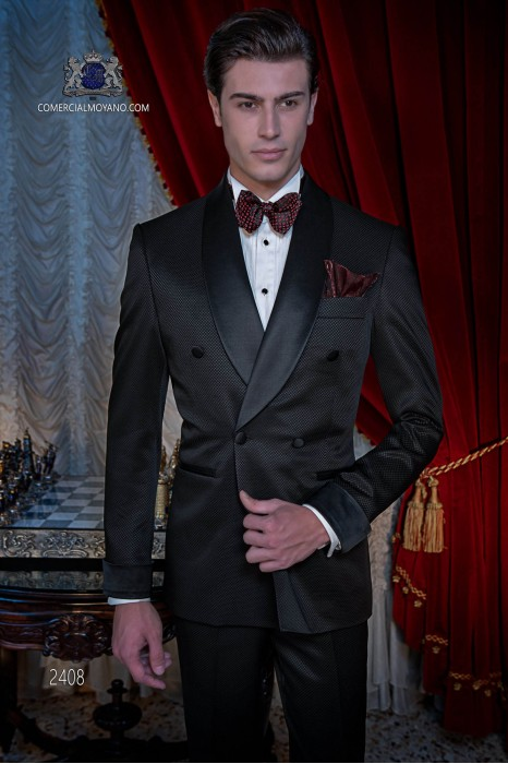 Esmoquin italiano negro cruzado con solapa chal de raso. Con especial tejido en microdiseño.