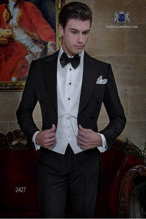 Italian black bespoke wool mix tailcoat with peak satin lapels