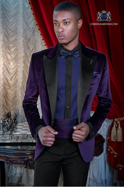 Italian velvet purple tuxedo with satin lapels. Peak lapels and 1 button. Fabric velvet 100% cotton.