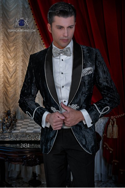 Italian velvet black tuxedo with satin lapels. Fabric velvet 100% cotton.