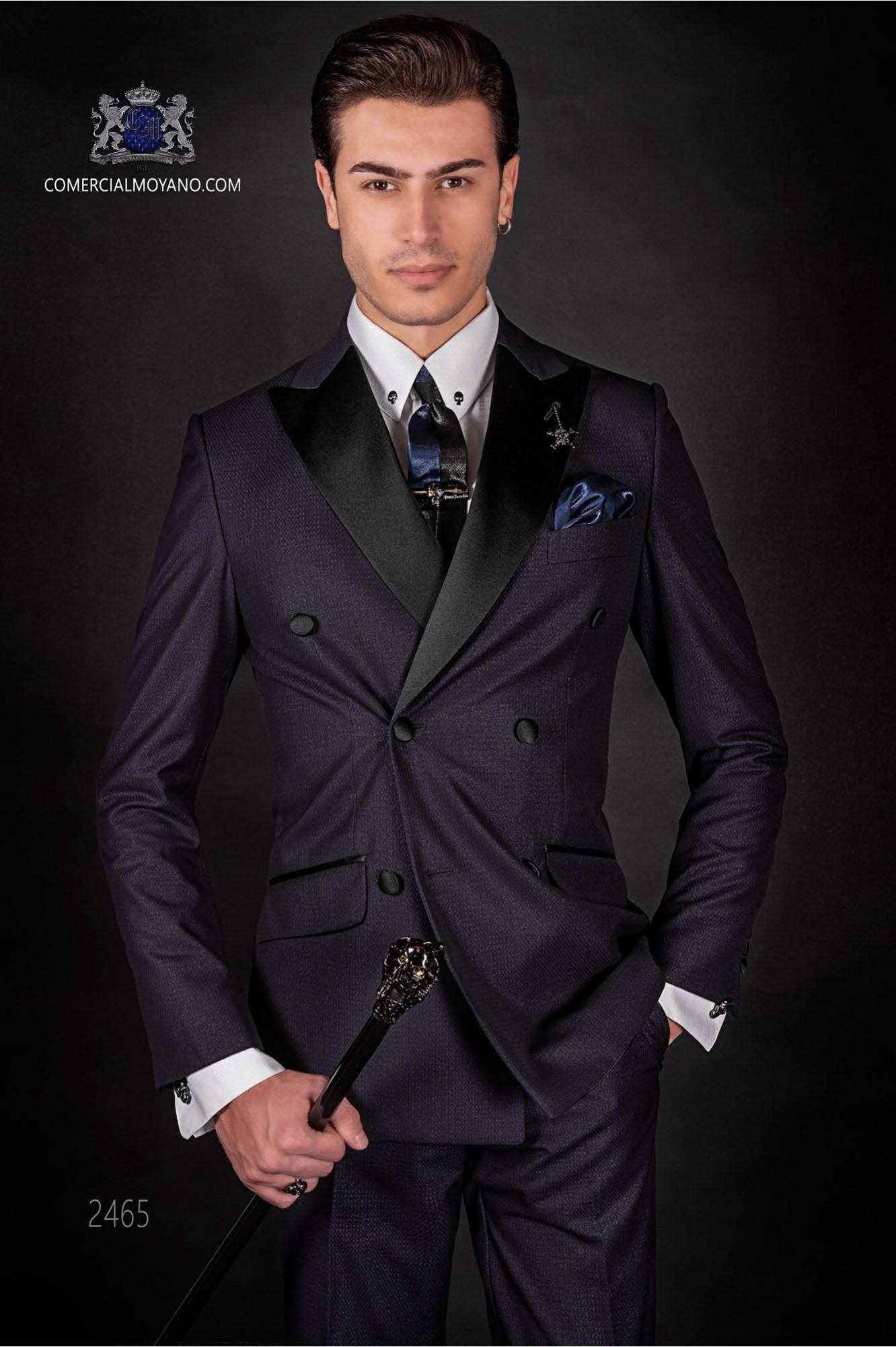 Traje cruzado azul italiano de moda. Modelo cruzado solapa punta con 6 botones. Tejido lurex