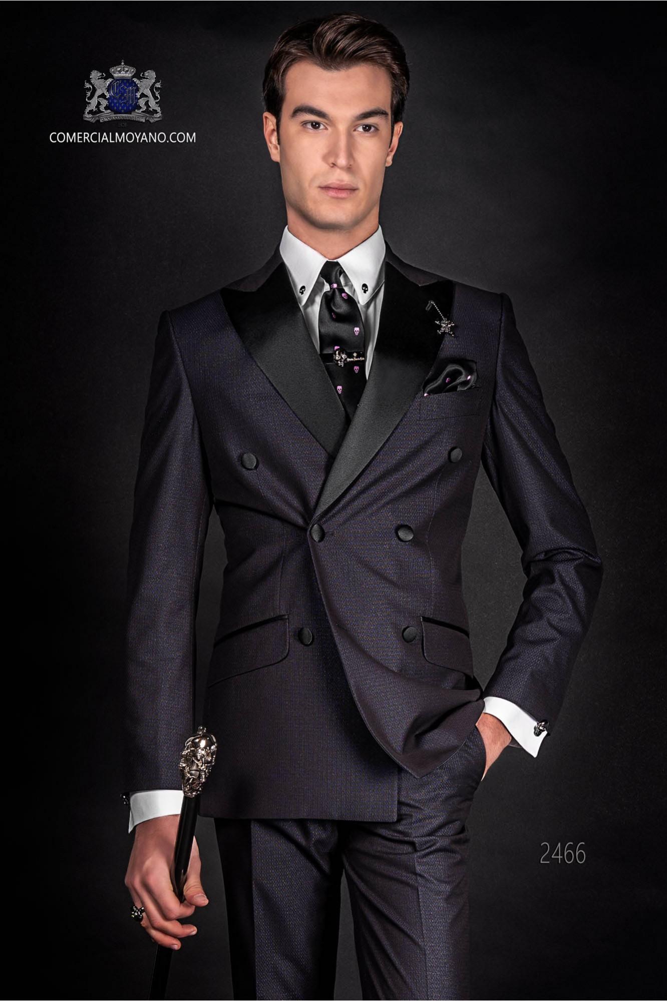 "Traje negro italiano cruzado de moda ""Slim"". Modelo cruzado solapa punta y 6 botones. Tejido lurex"