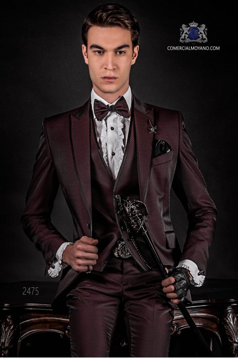 Italian burgundy fashion suit with waistcoat. Peak lapels and 1 button. Wool mix fabric.