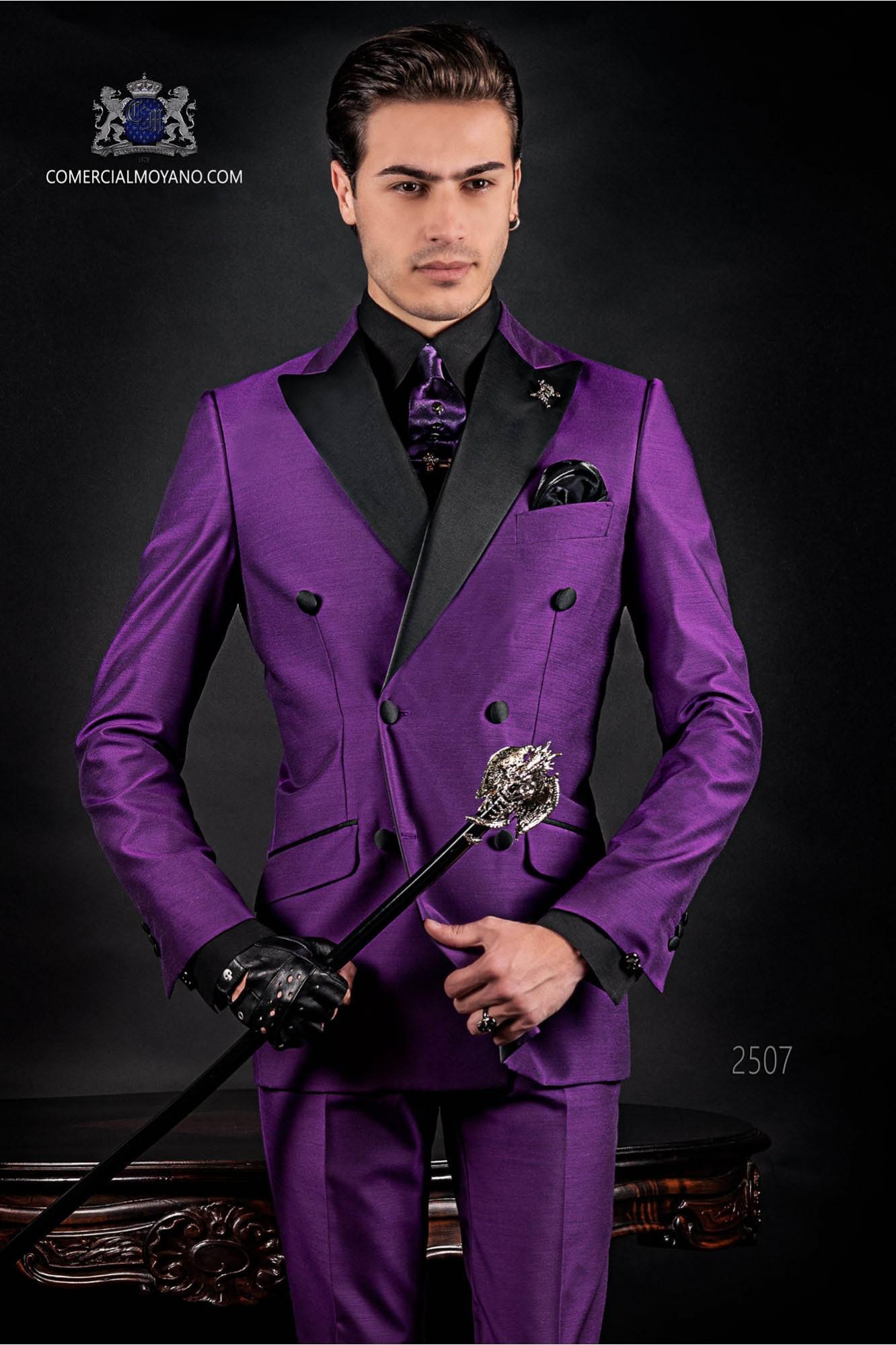 Traje de moda italiano a medida cruzado morado