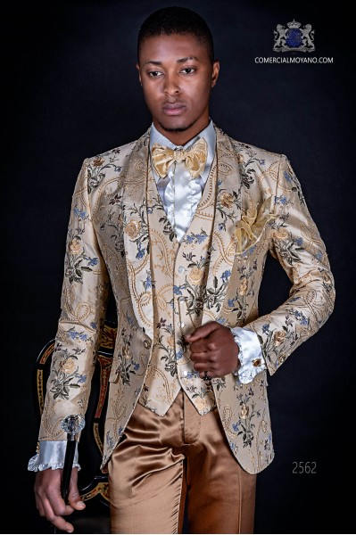 Traje de moda italiano de jacquard con un especial diseño en tono claros
