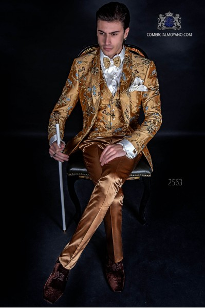 Italian fashion suit in jacquard fabric with a special design in golden tones
