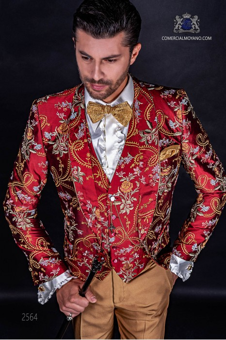 Red italian fashion suit in jacquard fabric with a special design