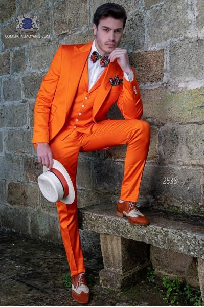 Traje italiano naranja en raso de algodón