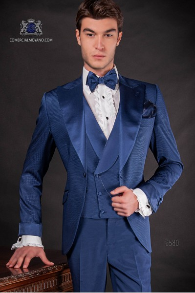 Traje de novio italiano azul royal en tejido microdiseño