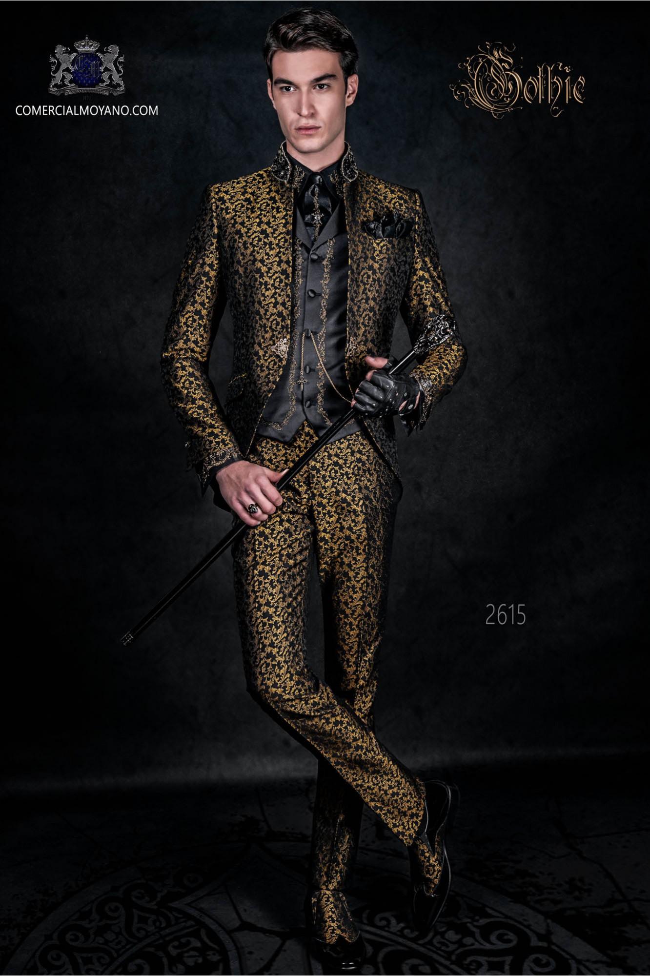 Traje levita vintage en tejido brocado negro y dorado con cuello Mao con pedrería negra