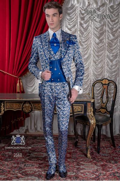 Traje levita de época en tejido jacquard azul y plata con perfil de raso en solapa