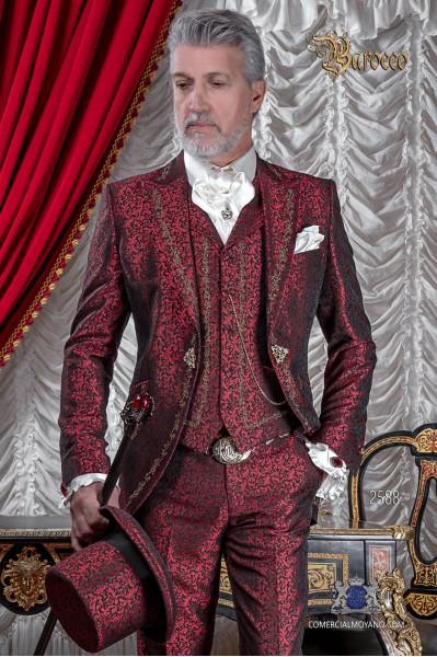 Traje de novio barroco, levita de época en tejido jacquard rojo con bordados dorados y broche de cristal