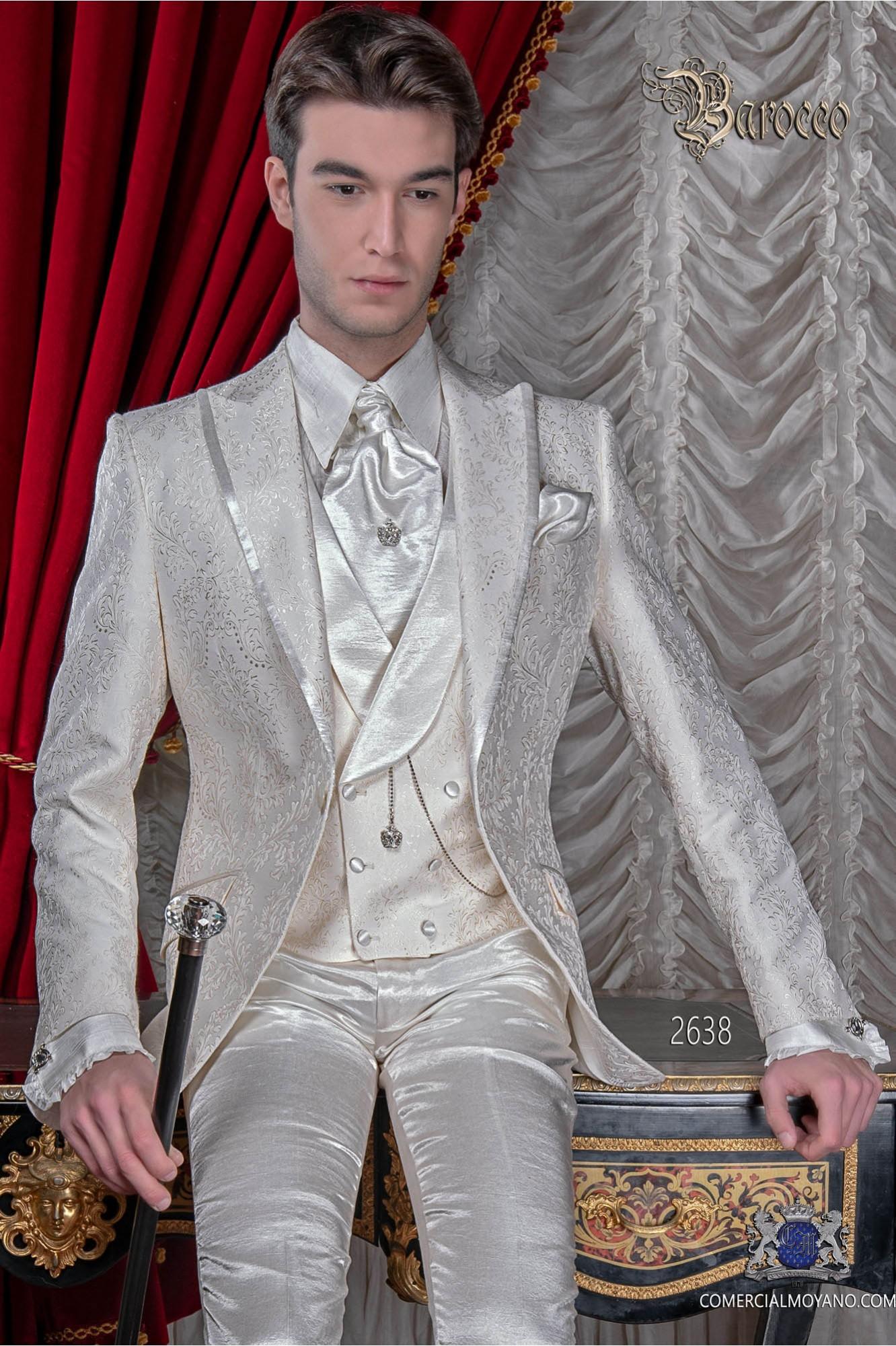 Traje de novio en tejido jacquard color marfil