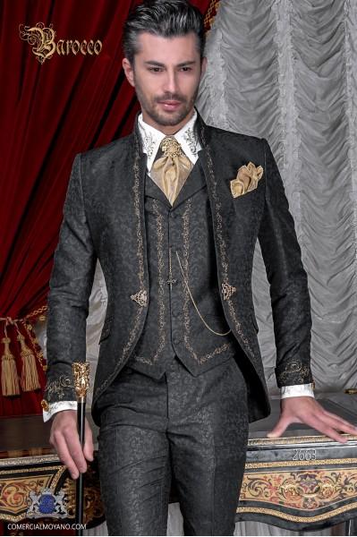 Costume de marié baroque, mao col redingote vintage en tissu jacquard noir avec broderie en dorée et fermoir en cristal