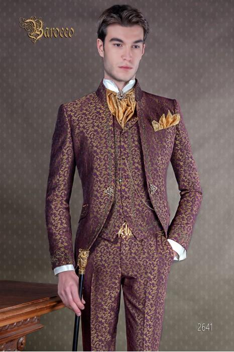 Traje de novio barroco, levita de época cuello mao en tejido jacquard morado y dorado con bordados dorados