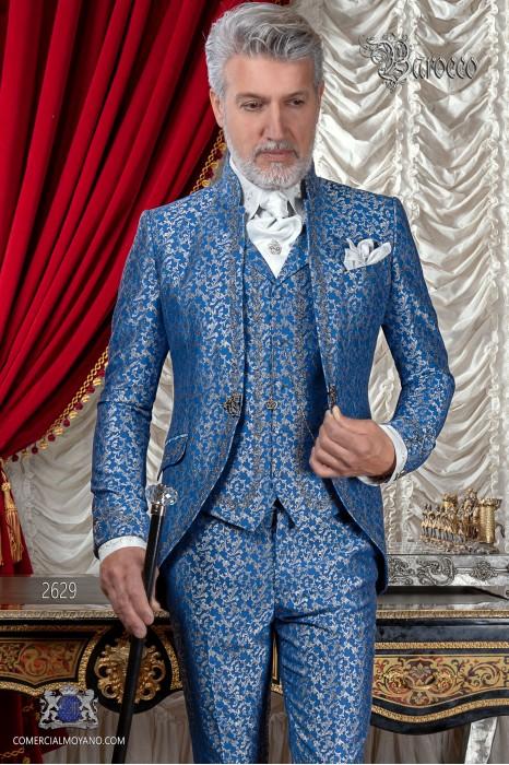 Traje de novio barroco, levita de época cuello mao en tejido jacquard azul y plata con bordados plateados