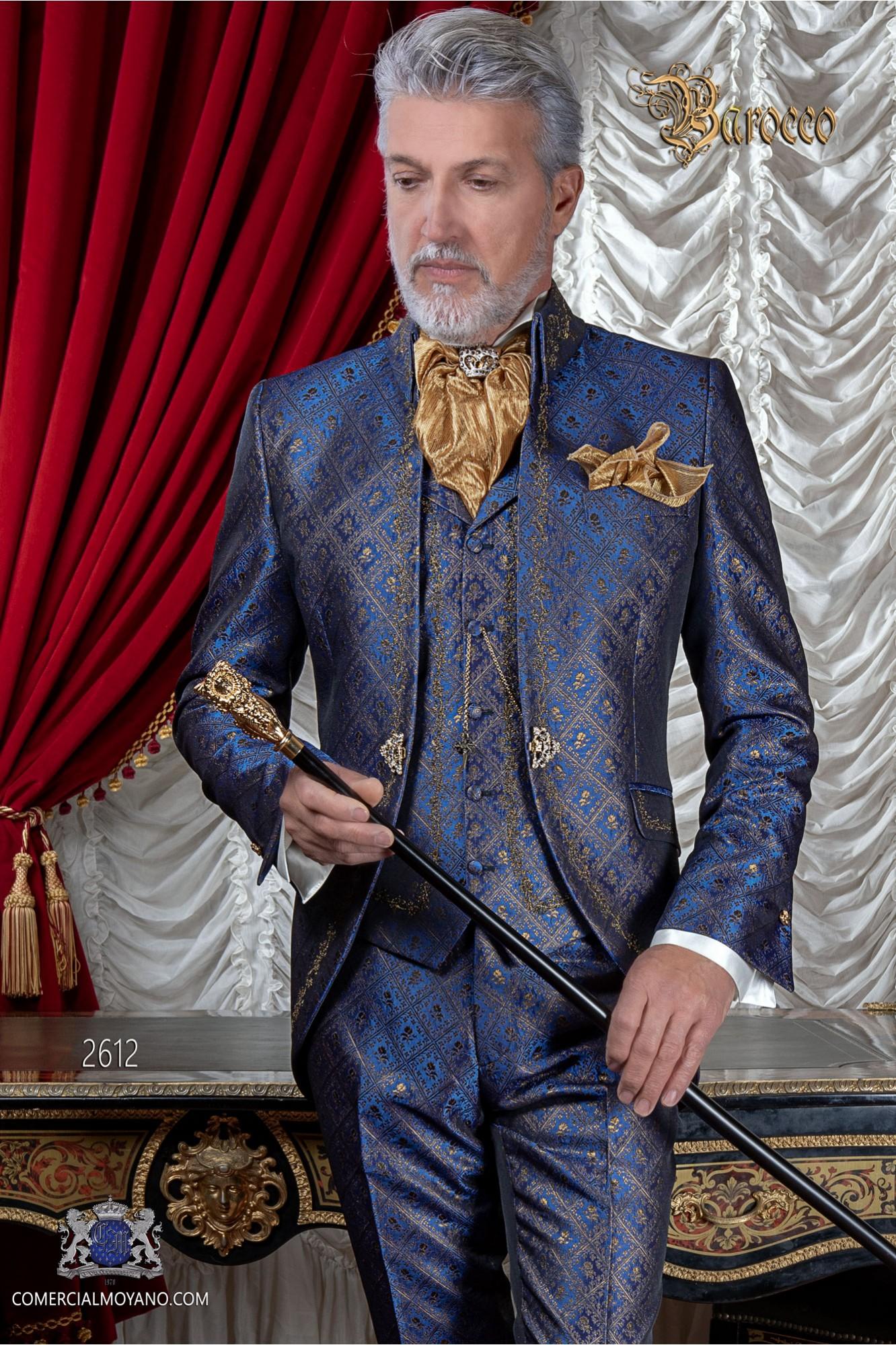 Traje de novio barroco, levita de época cuello Napoleón en tejido brocado azul-oro con bordados dorados