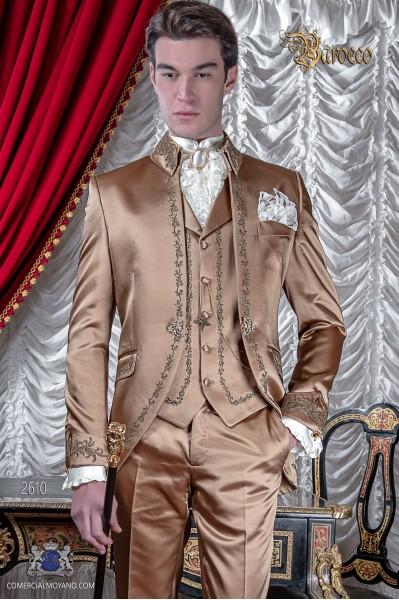 Barocke Bräutigam Anzug, Vintage Mao Gehrock in goldenem Satin Stoff mit Bronze Stickerei