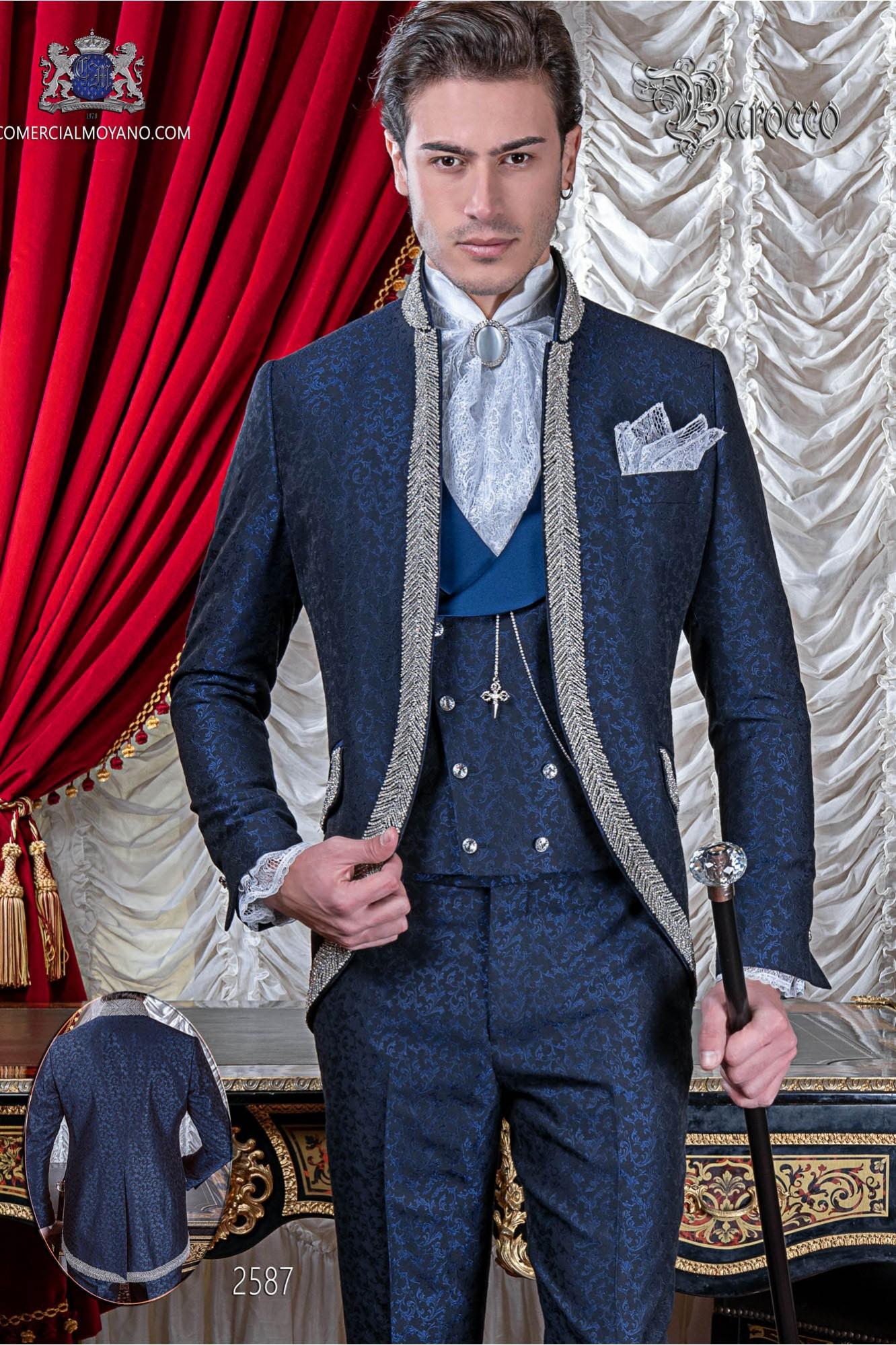 Traje de novio barroco, levita vintage cuello mao en tejido jacquard azul con pedrería