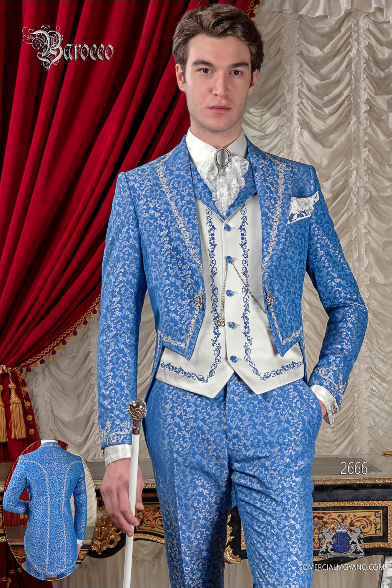Traje de novio barroco, frac de época cuello en tejido jacquard azul y plata con bordados plateados