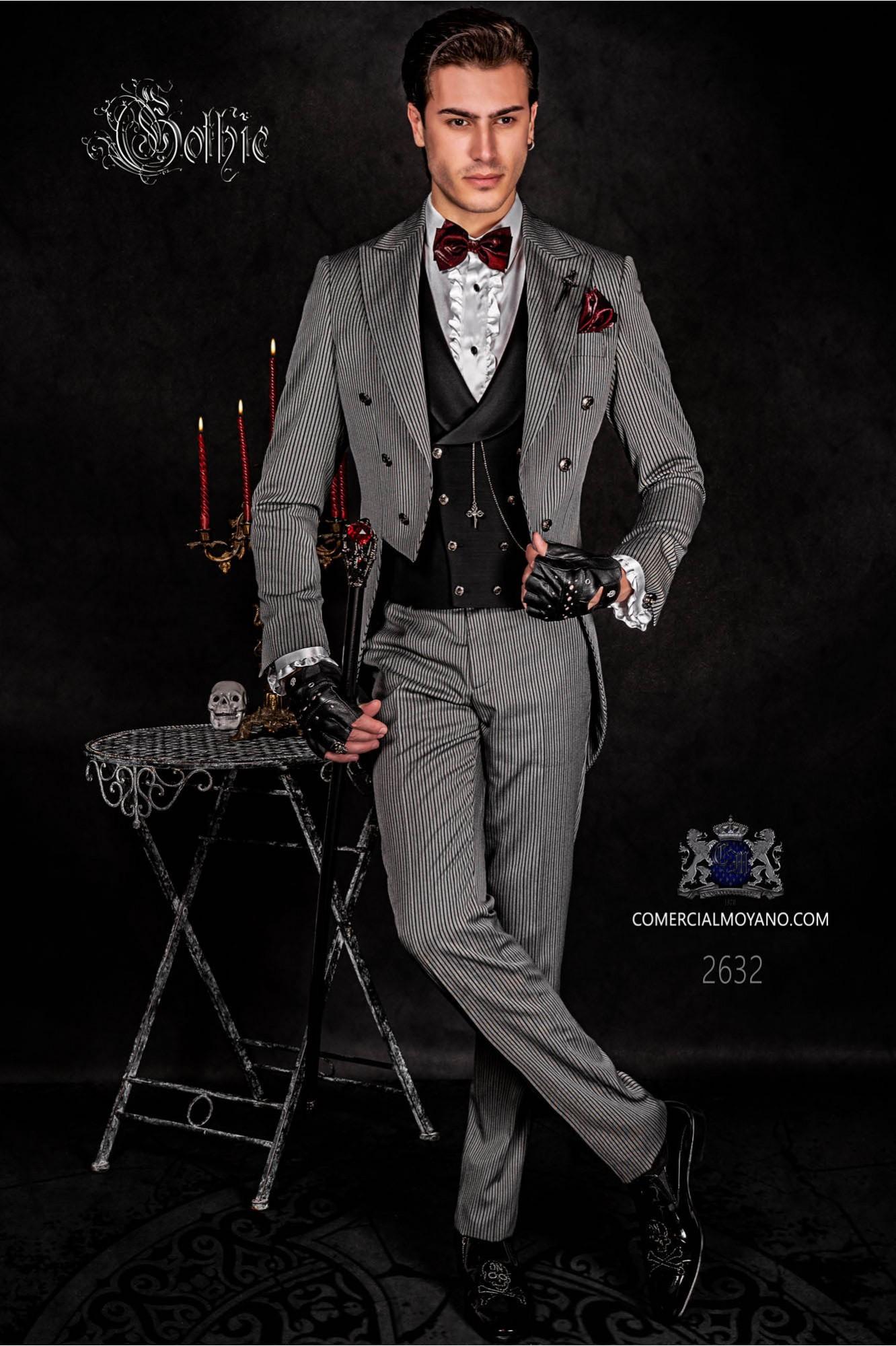 Traje de novio barroco, frac en tejido gris de rayas