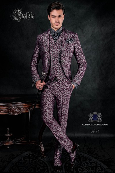 Traje de novio barroco, levita de época en tejido jacquard plata y púrpura con bordados plateados