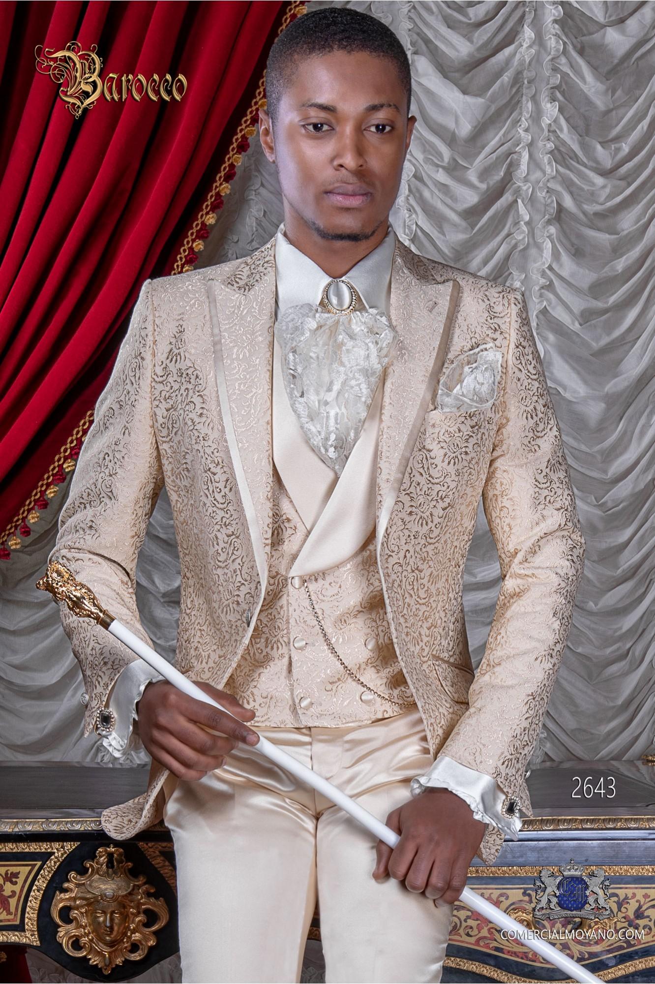 Traje de novio en tejido jacquard color beige
